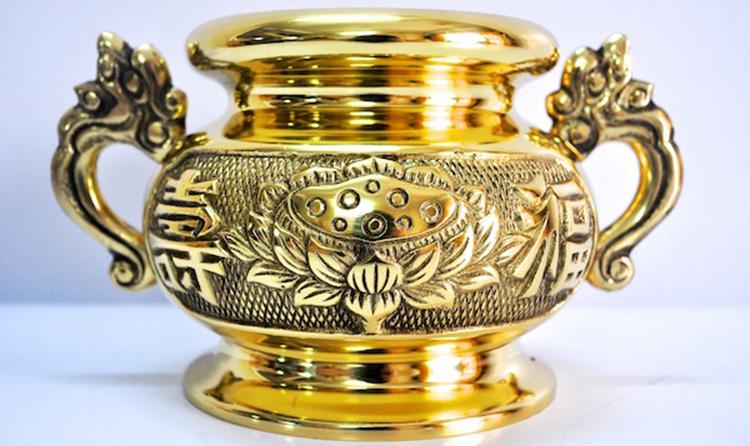 Đặt bát hương trên bàn thờ gia tiên như nào cho đúng
